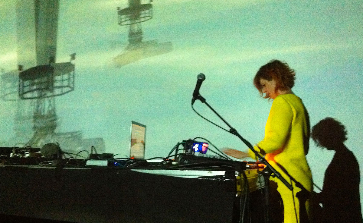 Annabelle-Playe_Gregory-Robin_Vaisseaux_videoformes_Transnumeriques_Mons2015_Transcultures